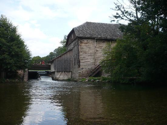 ginuciai-water-mill